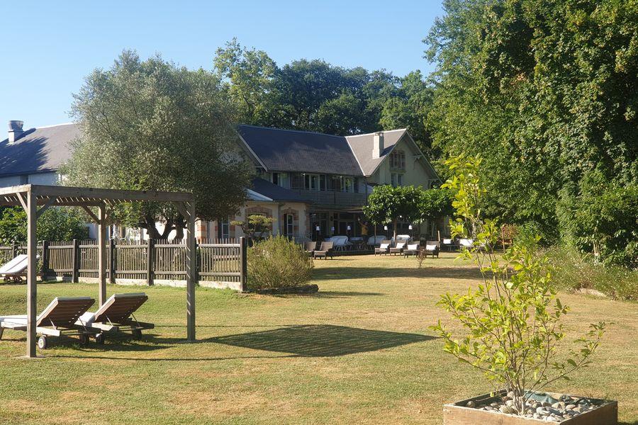 Pavillon du Chateau **** jardin