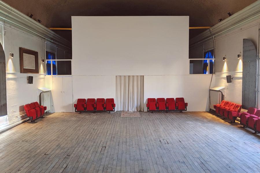 Les Grands Voisins - 3 espaces privatisables La Pouponnière et son écran de projection