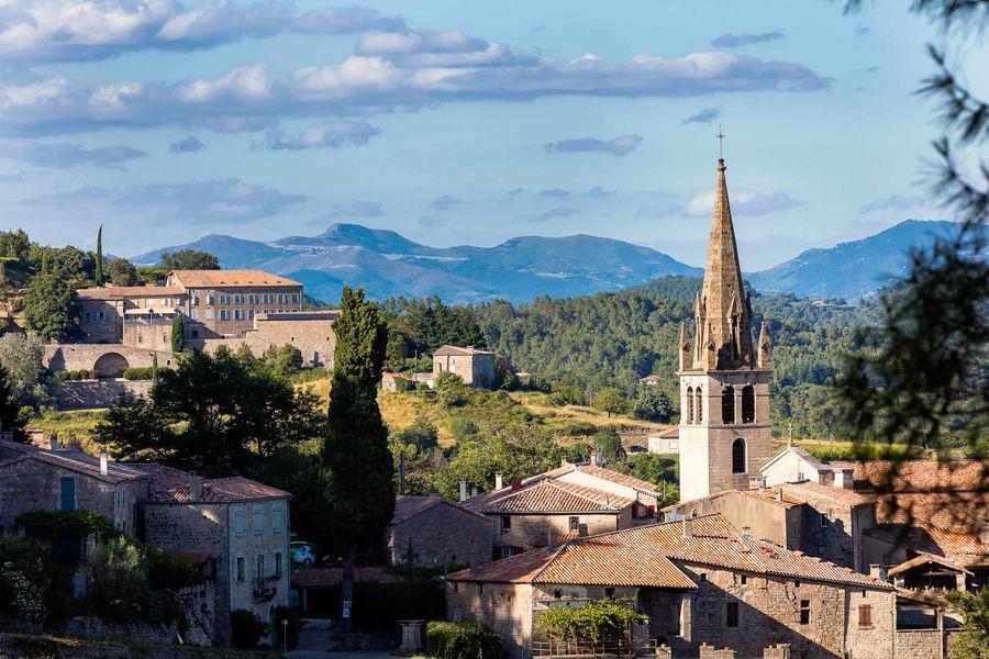 La Bastide de Sanilhac La Bastide et le village de Sanilhac