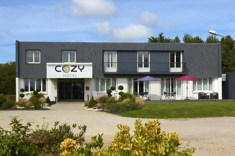 Cozy Hotel*** 7