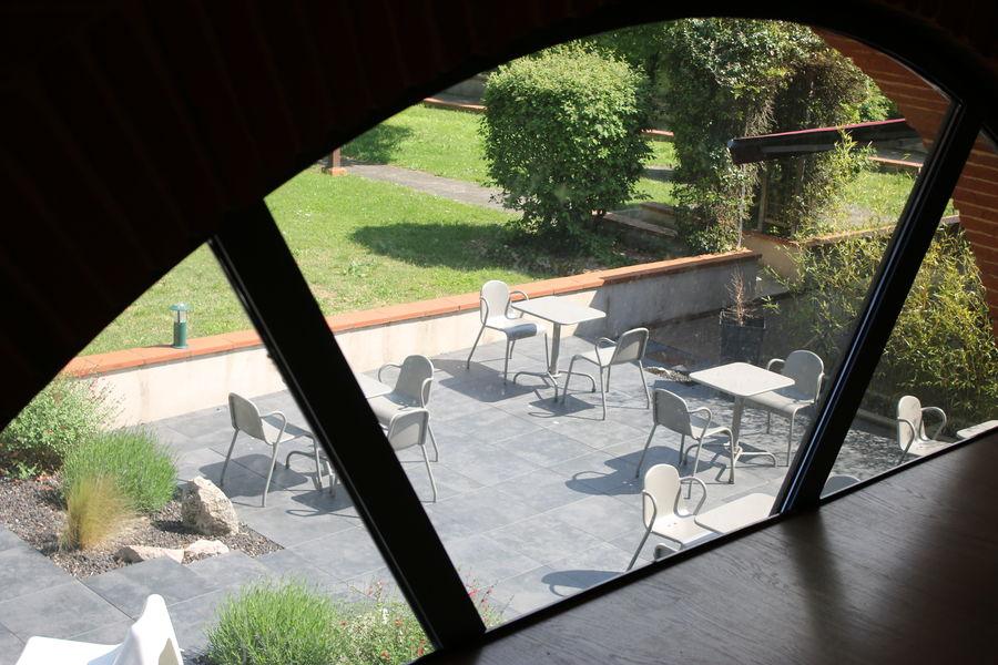 Les Ecuries De La Tour *** vue sur terrasse