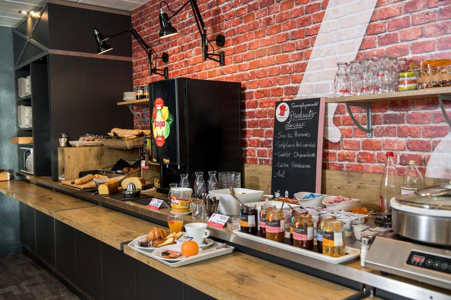 Brit Hotel  La Rochelle – La Brasserie du Cap *** Buffet du petit déjeuner du Brit Hotel La Rochelle – La Brasserie du Cap ***