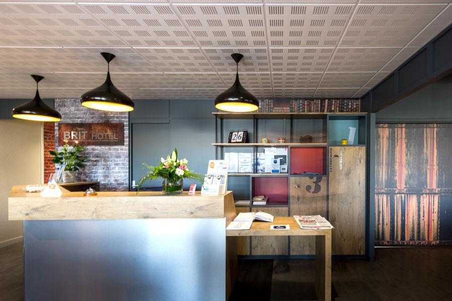 Brit Hotel  La Rochelle – La Brasserie du Cap *** Accueil du Brit Hotel La Rochelle – La Brasserie du Cap ***