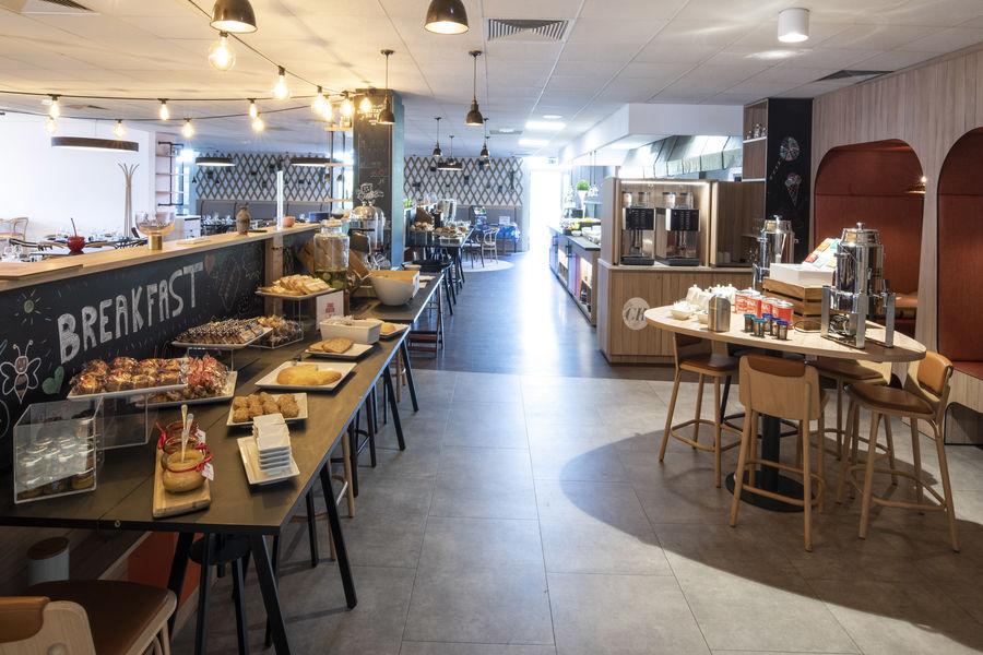 Mercure Lille Aéroport **** Petit déjeuner au restaurant la Flamme