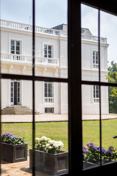 Château du bois du rocher Château depuis l'Orangerie