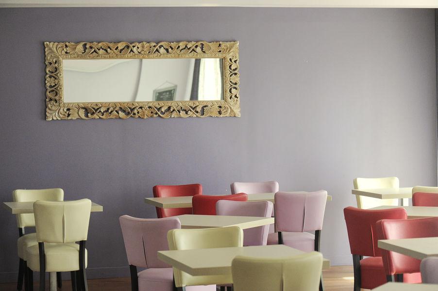 Cozy Hotel*** Restaurant