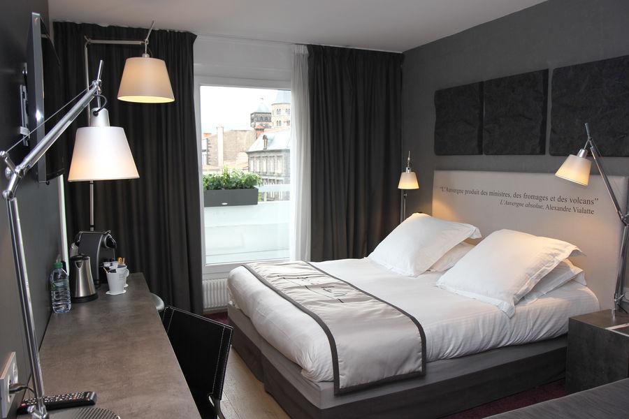 Best Western Plus Hotel Littéraire Alexandre Vialatte **** chambre supérieure avec vue sur la Chaîne des Puys et balcon