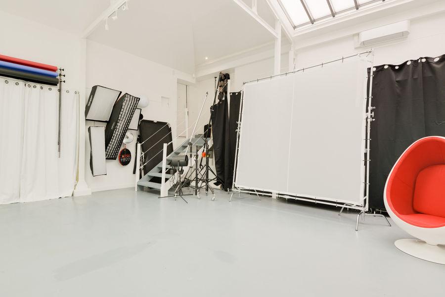 Atelier Fabrique Entrée, matériels techniques de production