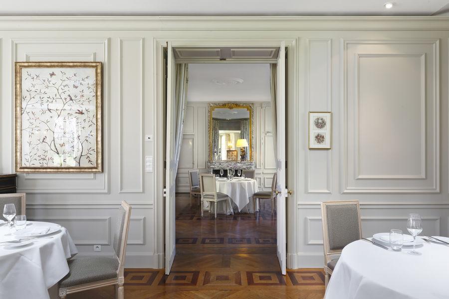 Château la Chenevière ***** Restaurant le Botaniste