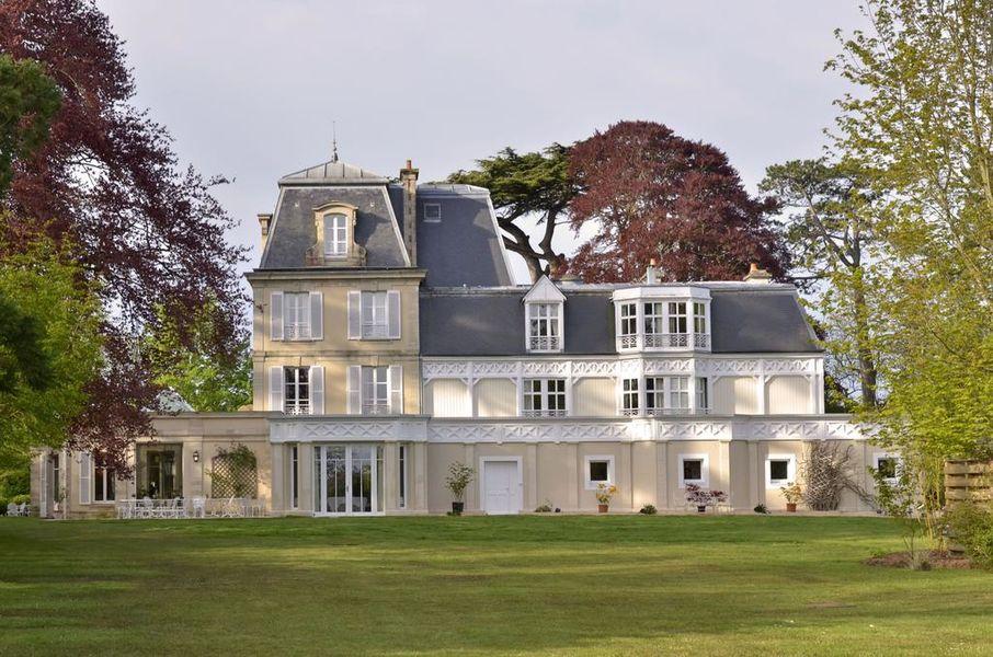 Château la Chenevière ***** 42