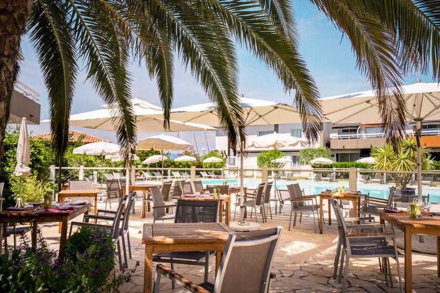 Best Western Hôtel La Marina **** Terrasse piscine