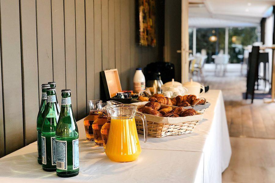 Le Green Spot Accueil - Buffet petit déjeuner