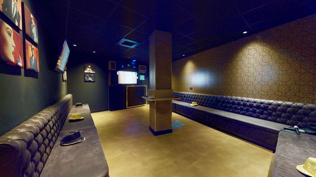 Singing Studio - Paris Grand studio privatif de karaoké pour team building, soirée
