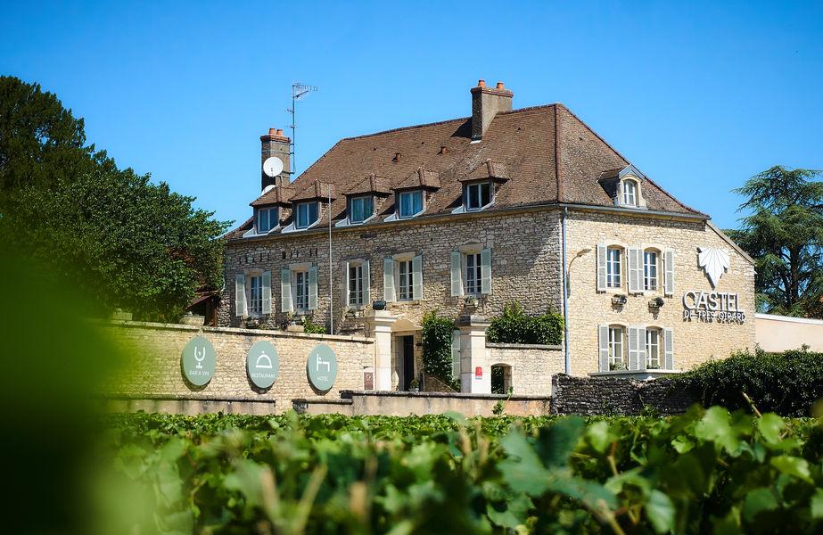 Castel de Très Girard **** Castel de Très Girard ****