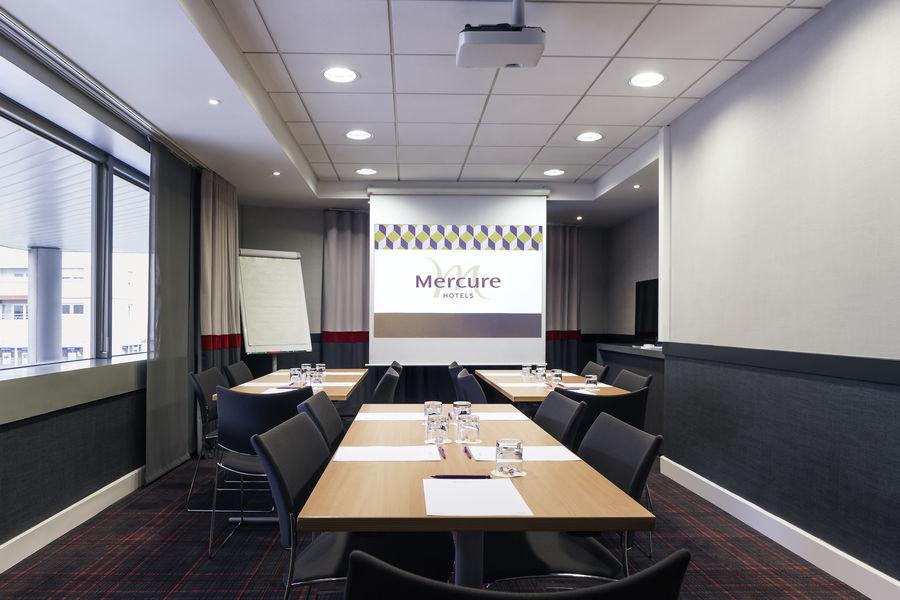 Hôtel Mercure Paris La Défense Grande Arche **** 2