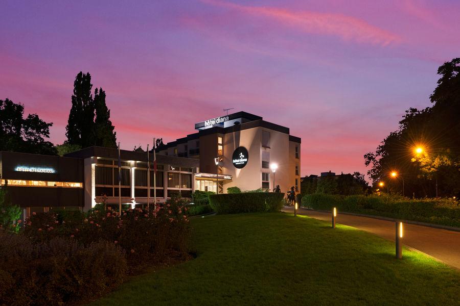 Hôtel Diana Restaurant & Spa By HappyCulture Couché de soleil au Diana