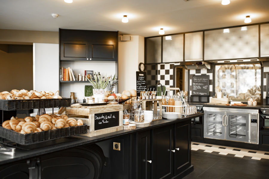Mercure Demeure de Campagne Parc du Coudray **** Cuisine conviviale - espace petit-déjeuner