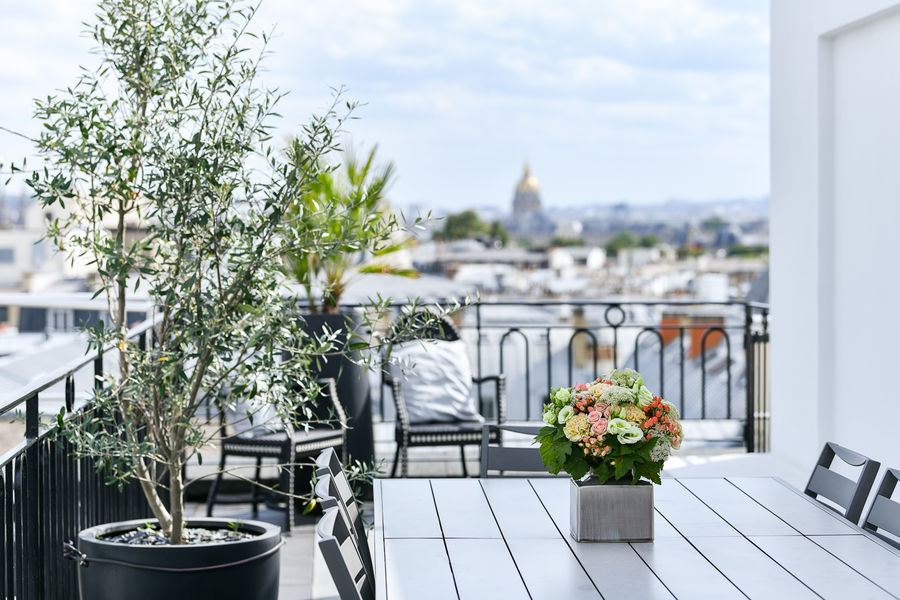 Maison Astor Paris Curio by Hilton Terrasse Suite