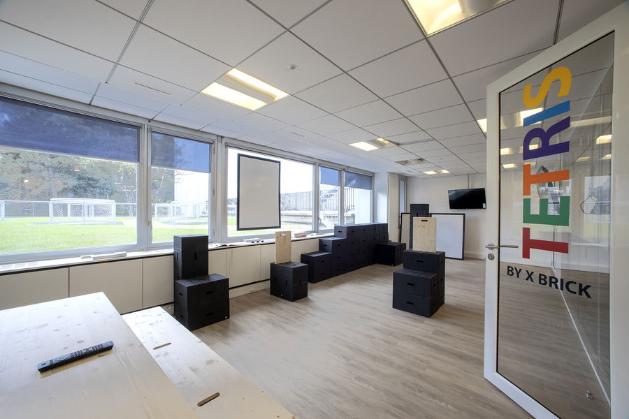 Cool & Workers - Neuilly sur Seine Salle de réunion 20 personnes - Creative Room by X brick