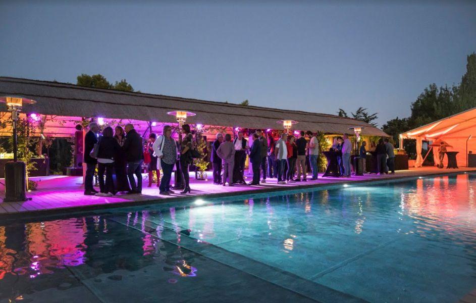 Le Domaine Tarbouriech Soirée au Pool-house