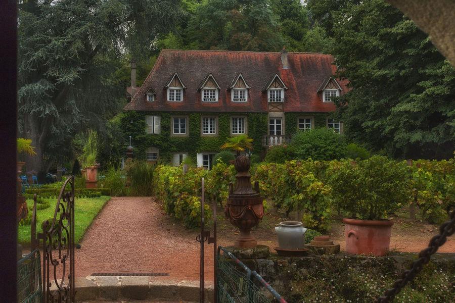 Le Poudrier Le Jardin et la maison Maître