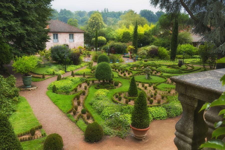Le Poudrier Jardin et Salle du Moulin