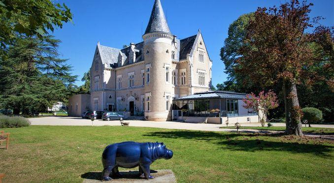 Château des Reynats****
