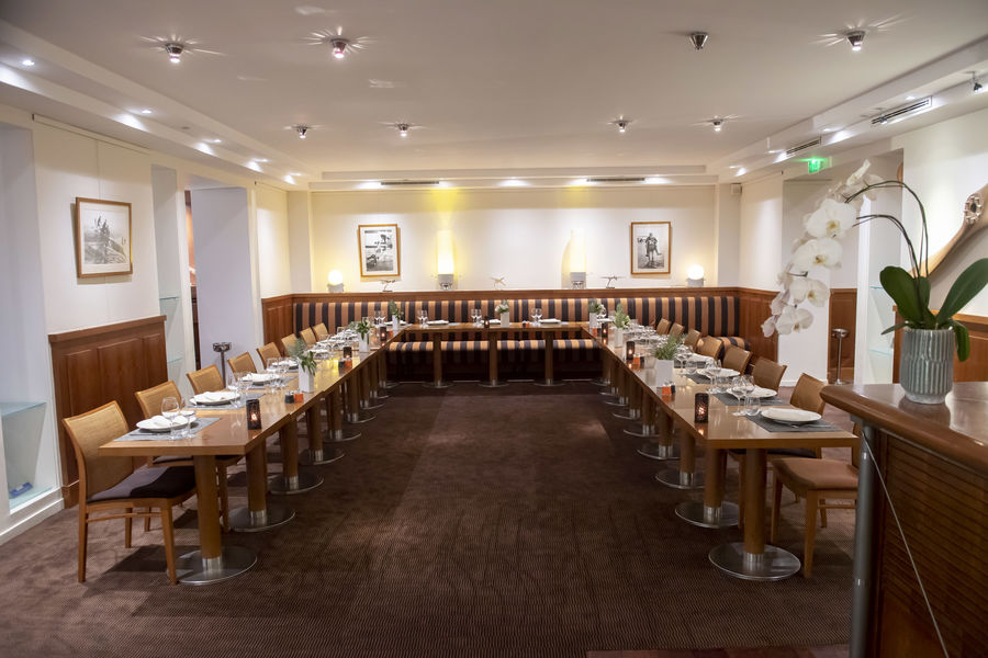 Salons de l'Aéro-Club de France  Restaurant - diner en U