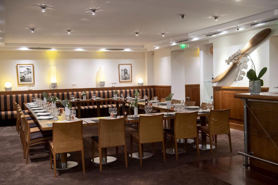 Salons de l'Aéro-Club de France  Restaurant - Diner en U fermé