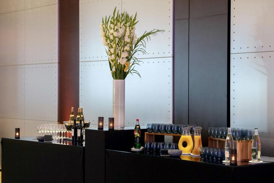 Salons de l'Aéro-Club de France  Buffet - Détail