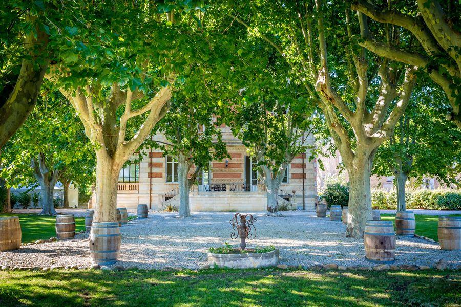 Château la Beaumetane espace ombragé au château la Beaumetane
