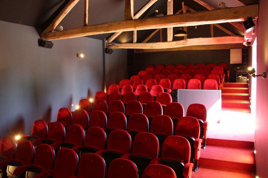 Le Village de Sully Le cinéma