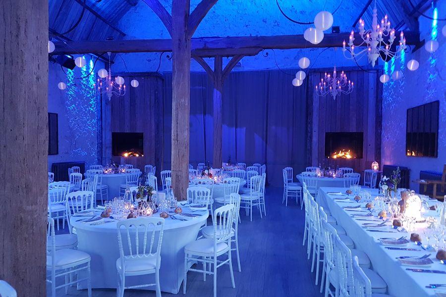 Le Clos de l'Orangerie Salle du diner avec cheminées