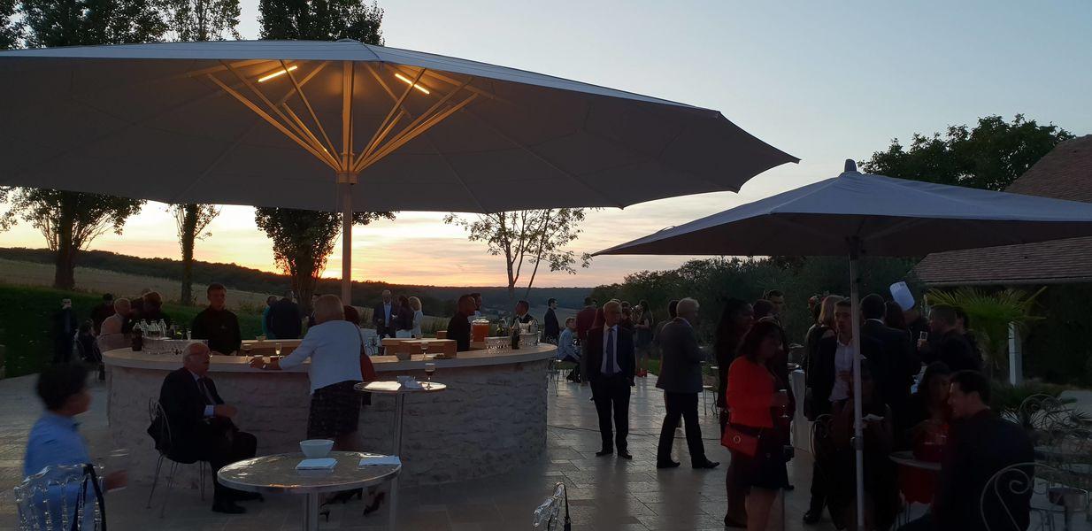 Le Clos de l'Orangerie Bar extérieur illuminé