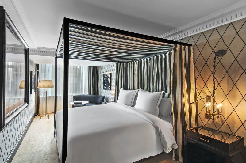 Hotel de Berri Deluxe Room
