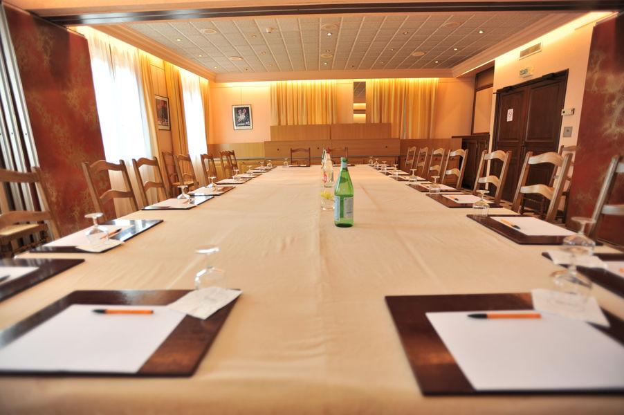Hotel The Originals Tournus Le Rempart Salle Séminaire