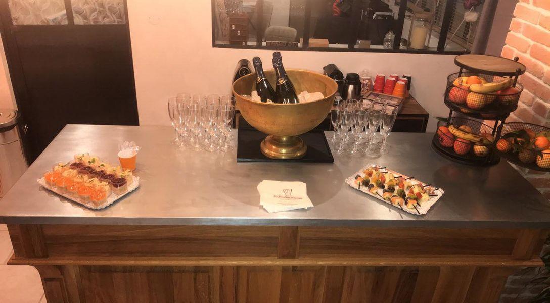 La Filature, l'ancien atelier de tricot Apéritif Champagne pour commencer.