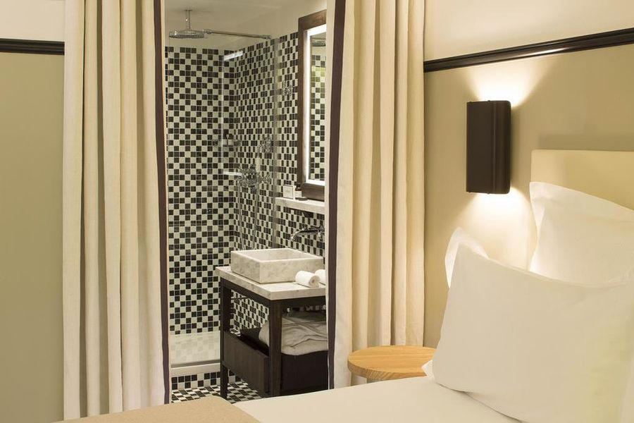 The Chess Hotel **** 8