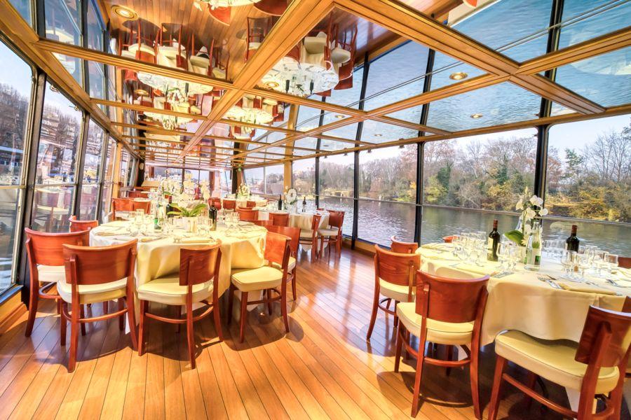 Le Rive Droite bateau navigant  votre salon avec vue à 360 °