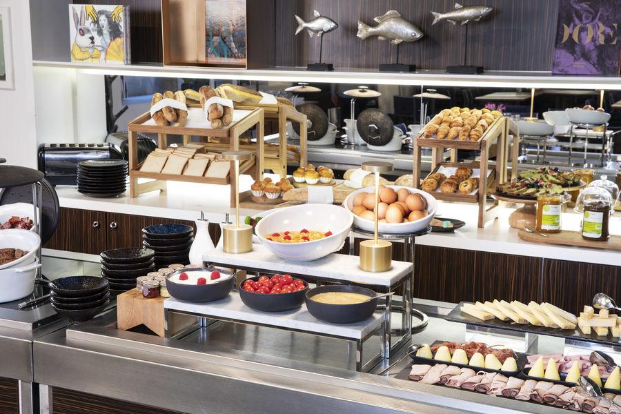 Hôtel Bel Ami ***** Petit-déjeuner