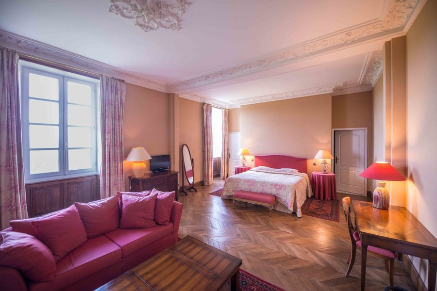 Hotel The Originals Relais du Château d'Arche  Hotel The Originals Relais du Château d'Arche