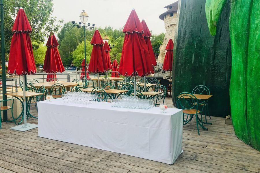 Parc Astérix Conventions & Séminaires Restaurant du lac - Terrasse