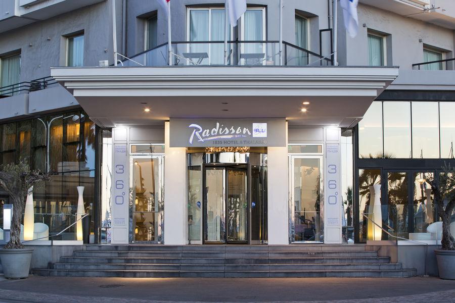 Radisson Blu 1835 Hôtel & Thalasso Cannes ***** Entrée