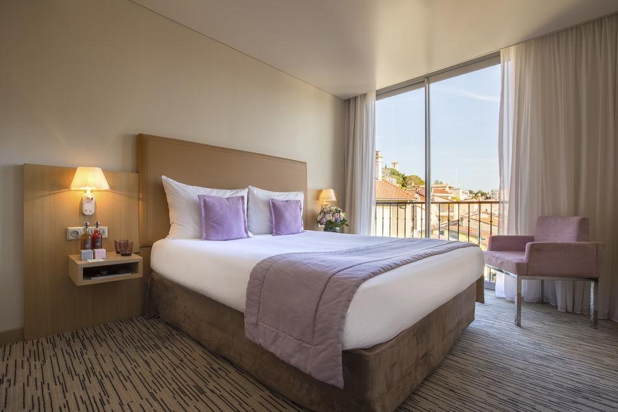 Radisson Blu 1835 Hôtel & Thalasso Cannes ***** Chambre Deluxe Vue Ville