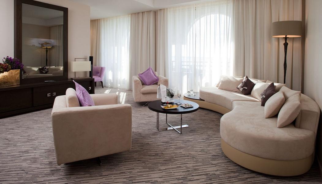 Radisson Blu 1835 Hôtel & Thalasso Cannes ***** Suite Sky
