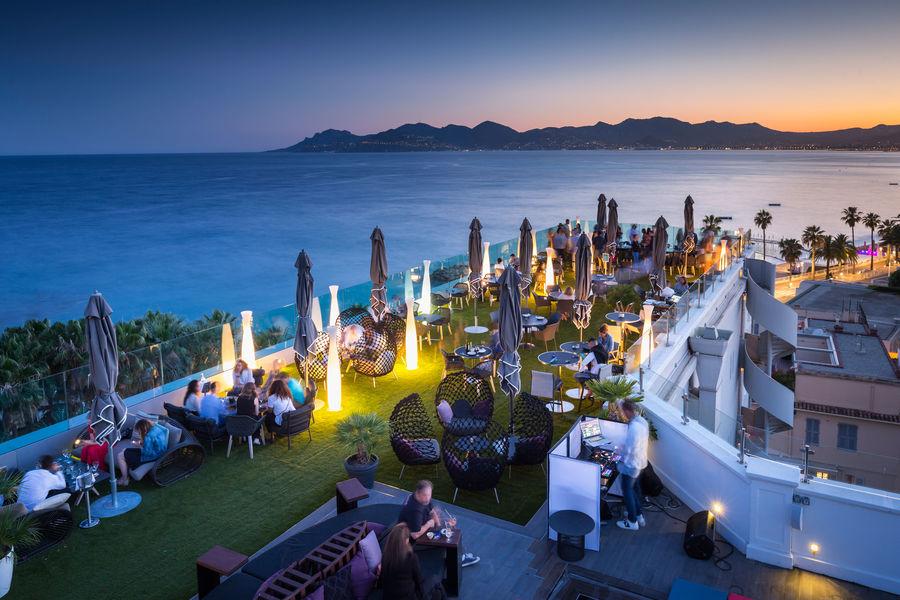 Radisson Blu 1835 Hôtel & Thalasso Cannes ***** Terrasse panoramique