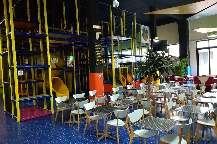 Fun Park cafeteria et jeux enfants