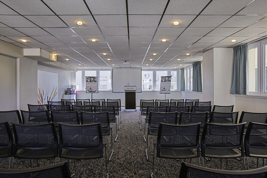 Hotel Mercure Marne la vallée Bussy St Georges Salon Mikado en théatre pour 50 personnes