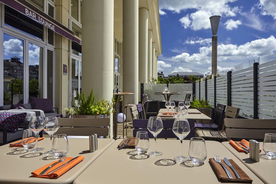 Hotel Mercure Marne la vallée Bussy St Georges Terrase d'été