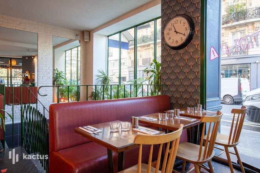 La Seine Café 22